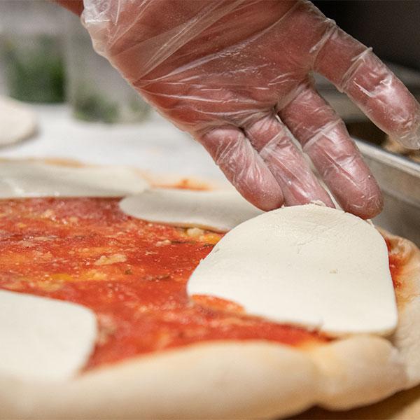 DeCicco & Sons margherita pizza