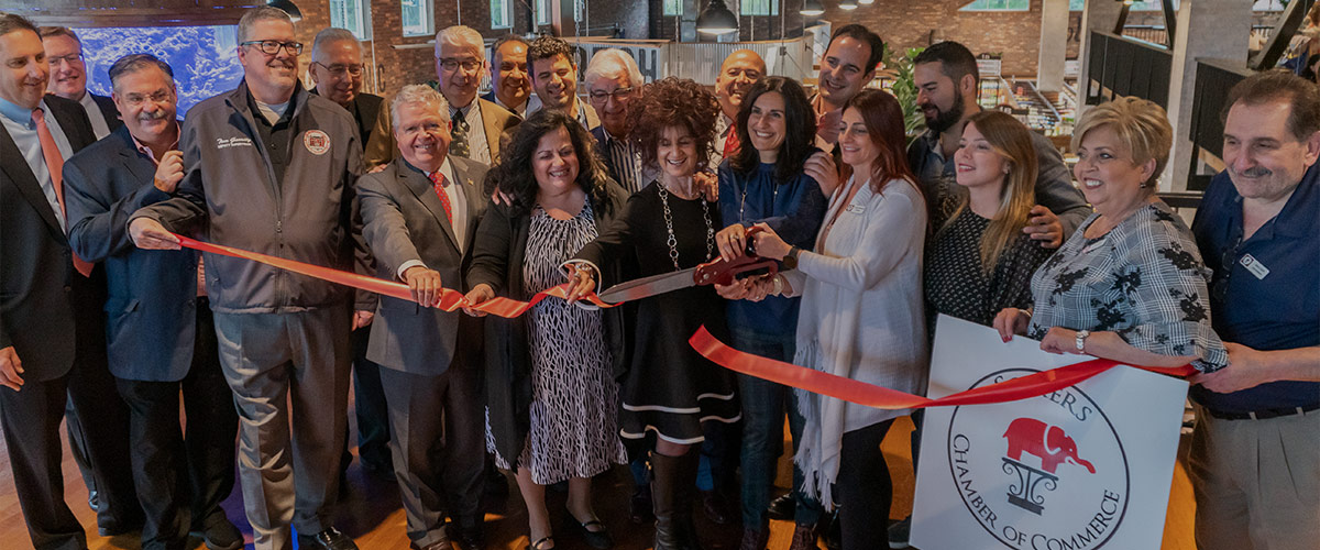 DeCicco's Somers ribbon cutting